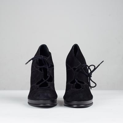 laceup heels black